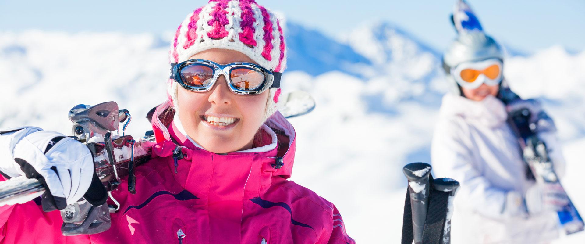 sunny-skiing